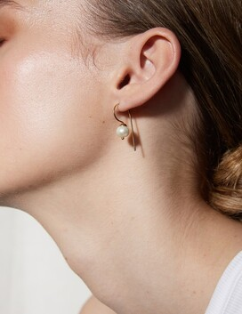 La Tribe Dangle Hook Pearl  Earring  - Gold